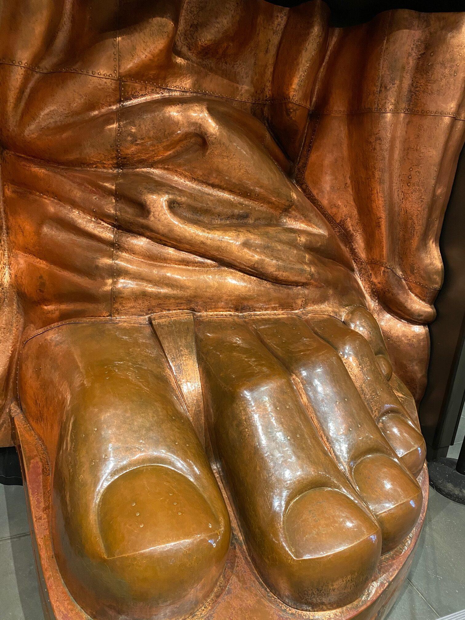 statue of liberty feet