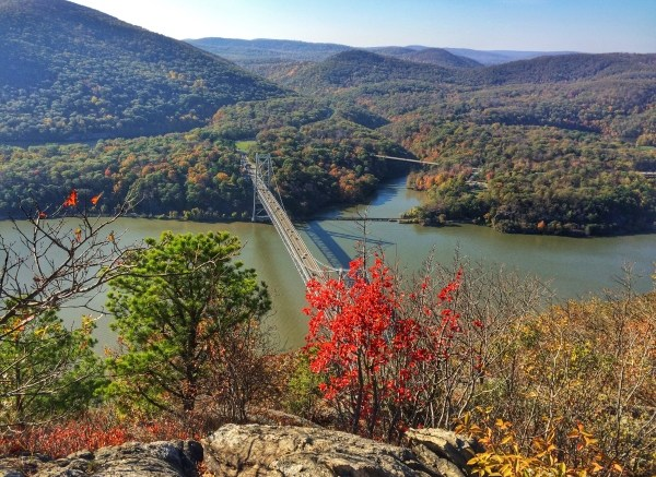Anthony's Nose Hiking in Hudson Valley, New York | TheWeekendJetsetter.com