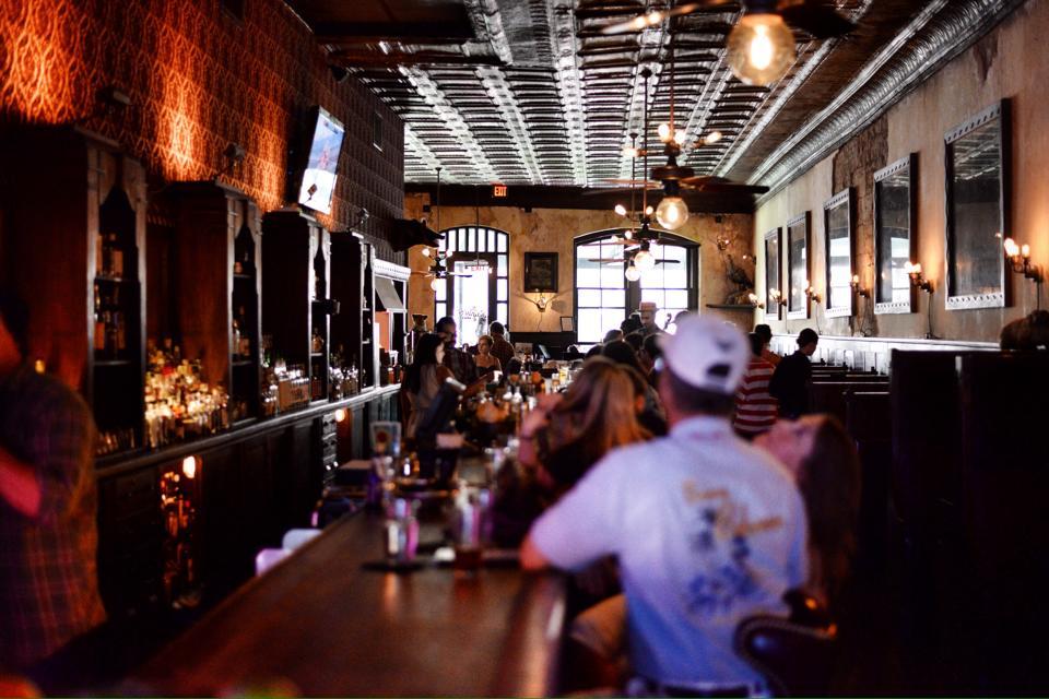 The Esquire Tavern, San Antonio | TheWeekendJetsetter.com