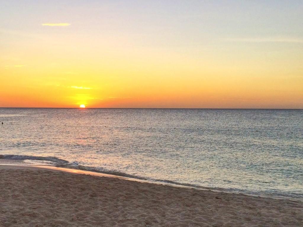 48-Hours-in-Aruba-Sunset-on-Eagle-Beach-1024x768
