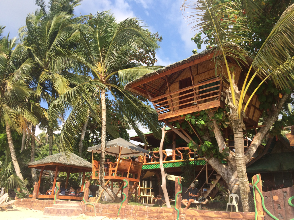 Tree House Hotel in Port Barton, Palawan | TheWeekendJetsetter.com