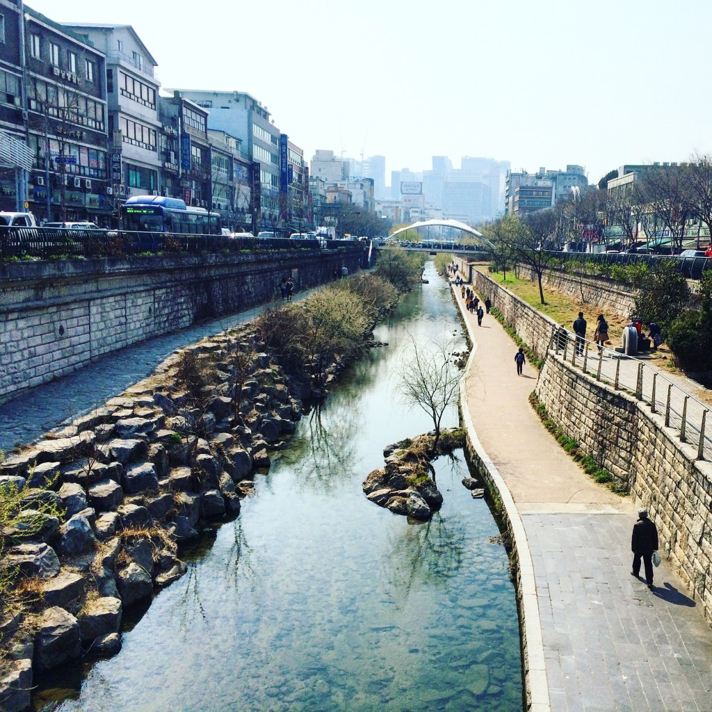 Cheonggyecheon Stream in Seoul, South Korean | TheWeekendJetsetter.com