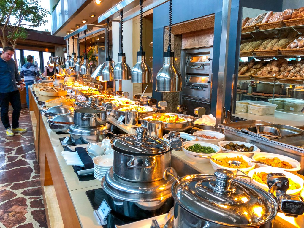 7 Things to Eat in Hong Kong - Breakfast Buffet at the Intercontinental Hotel | TheWeekendJetsetter.com