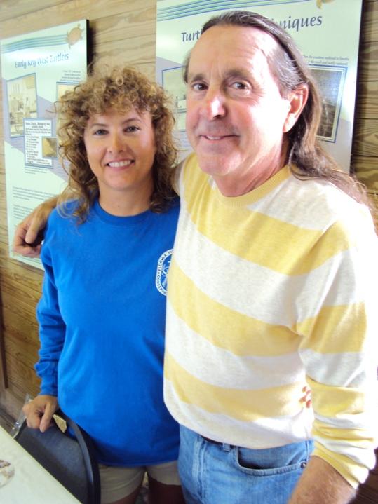 FWC's Sue Schaf and Richie Moretti of the Marathon Turtle Hospital