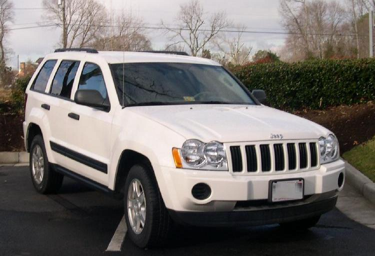 Chrysler relents, recalls 2.7 million Jeep Grand Cherokee, Liberty models