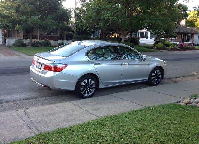 2015 Honda Accord Hybrid: Iconic sedan gets better 2