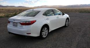 The 2015 Lexus ES 350 is comfortable for four adults and the trunk is spacious.