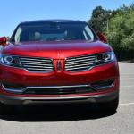 The 2016 Lincoln MKX has a split front grille.