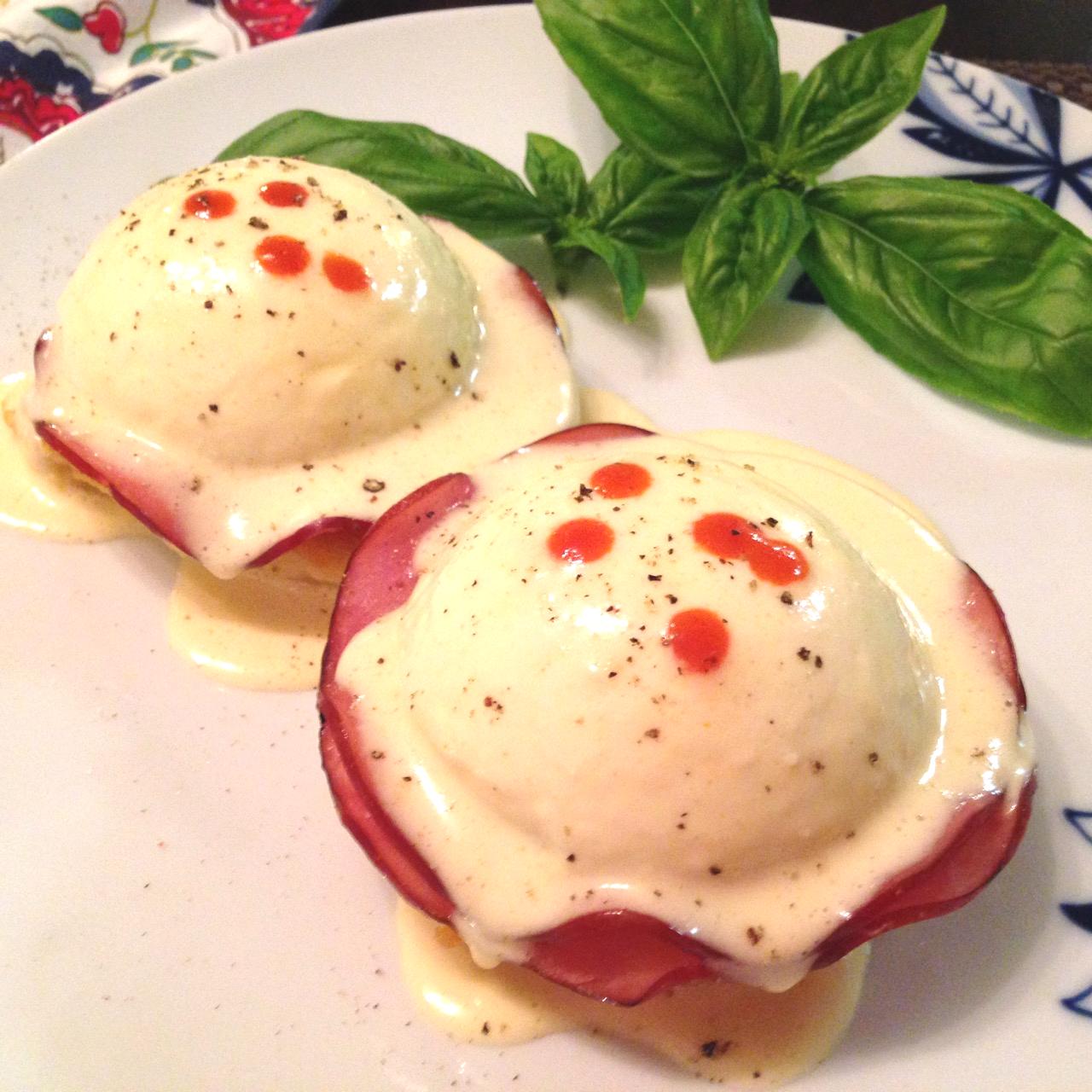 gluten-free blender hollandaise sauce and eggs benedict