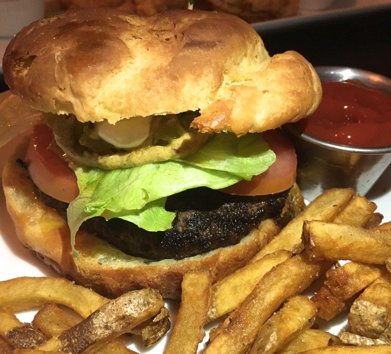 Wilder Wood Restaurant & Bar - gluten-free kitchen - burger