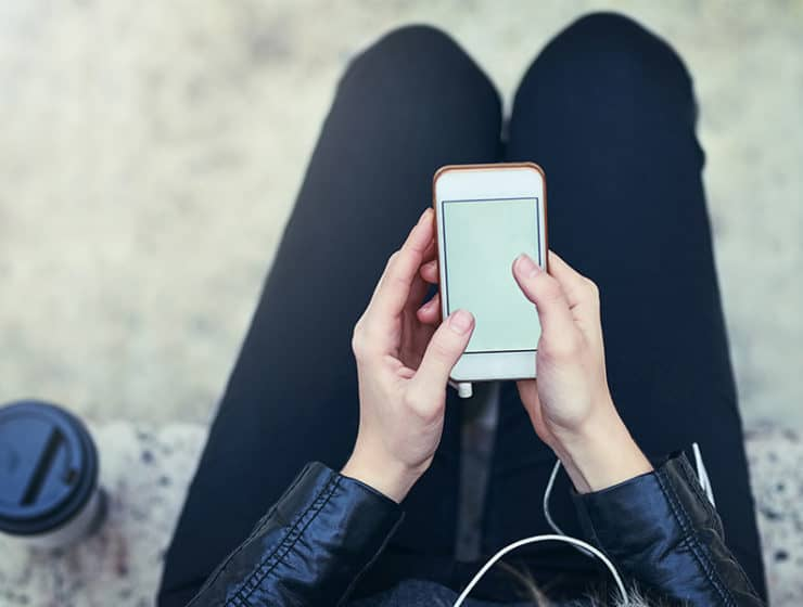 7 Amazing Podcasts for Women Over 35