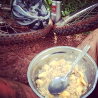 Trail chop round mile 15, oats and milk and bananas made by yours truly (carried by not me).