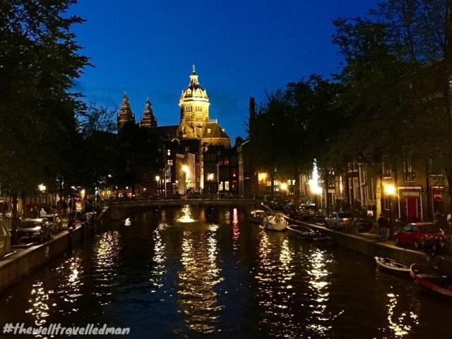 thewelltravelledman travel blog Amsterdam oude kerk church canal