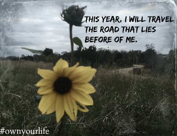 road lies before me