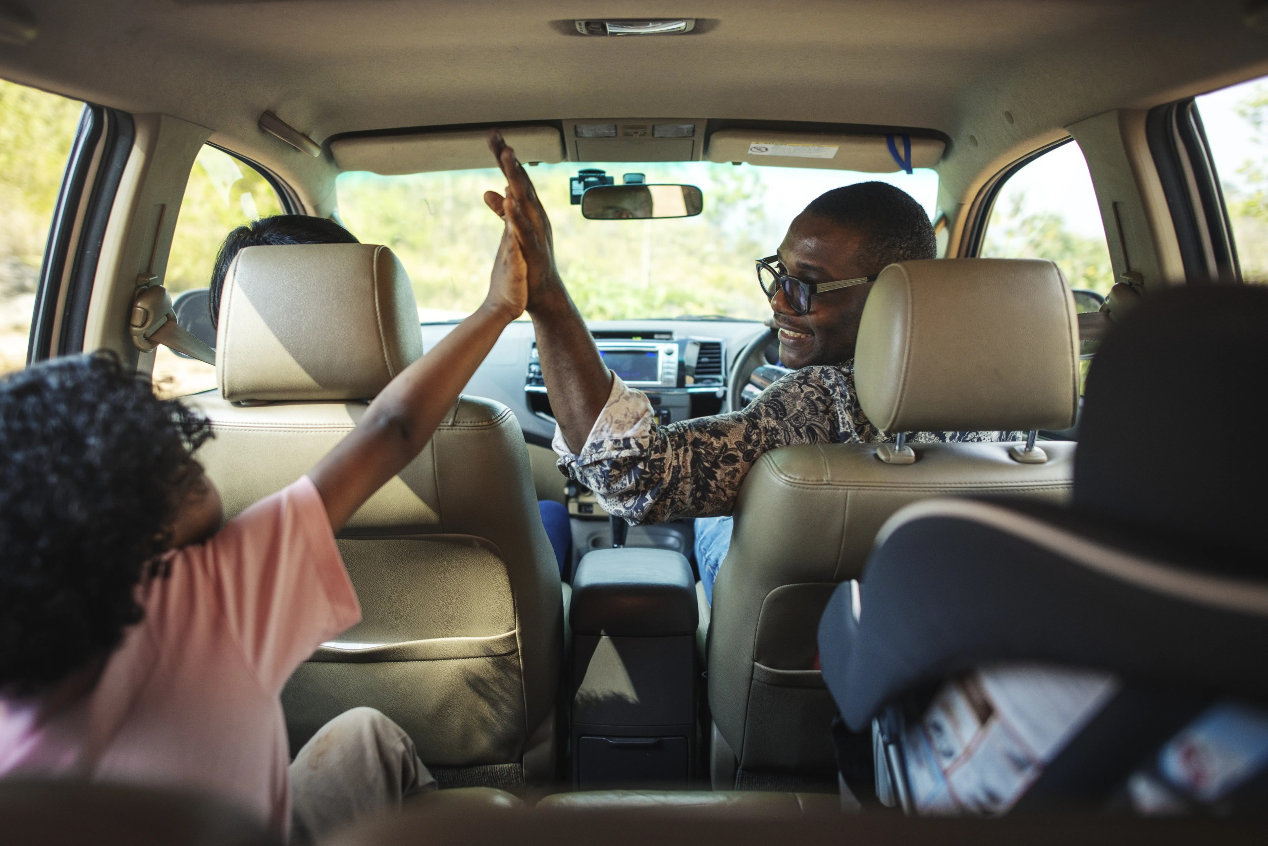 5 Fun and Simple Road Trip Games to Play with Your Kids