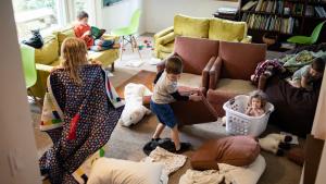clean house, mom, mom chores, to do list, messy home, kids organization, millennial mom