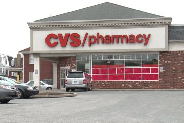 CVS withdraws cigarettes from shelves, a month earlier than scheduled