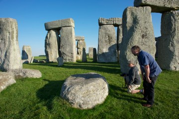 Researchers discover unknown monuments underneath Stonehenge