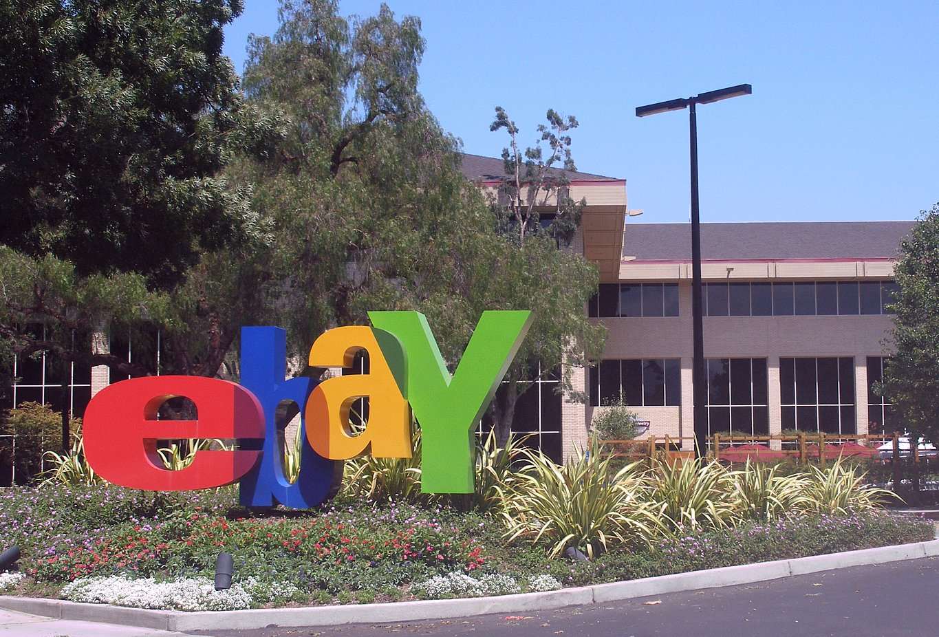 The Advantages And Disadvantages Of Selling On Ebay Today The Whine Seller