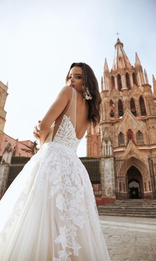 Tara Lauren Wedding Gown