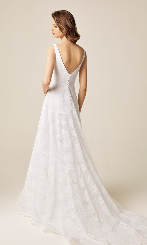 jesus peiro 937 back v neck lace gown