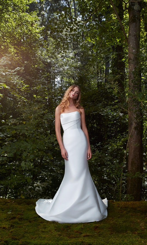 Strapless structured fitted gown