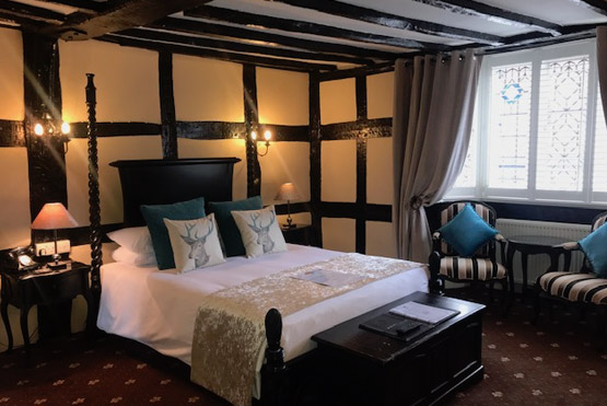 The Johnson Suite at the White Swan in Henley in Arden
