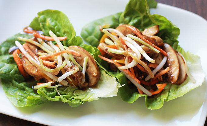 Close-Up-Asian-Lettuce-Wrap