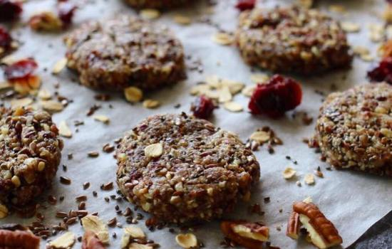 Galletas Crudiveganas con nueces y semillas