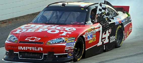 tony-stewart-wins-at-martinsville