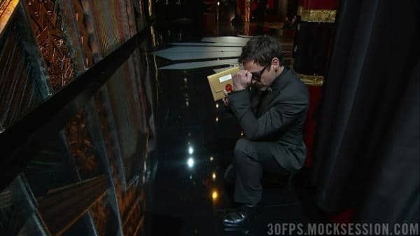 robert-downey-jr-tebowing-at-2012-oscars