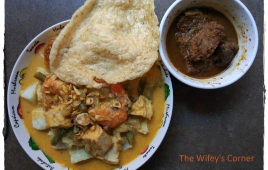 Lontong Sayur aka Vegetables in Spicy Coconut Broth