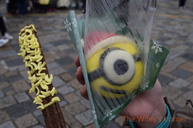 usj minion bun and churros