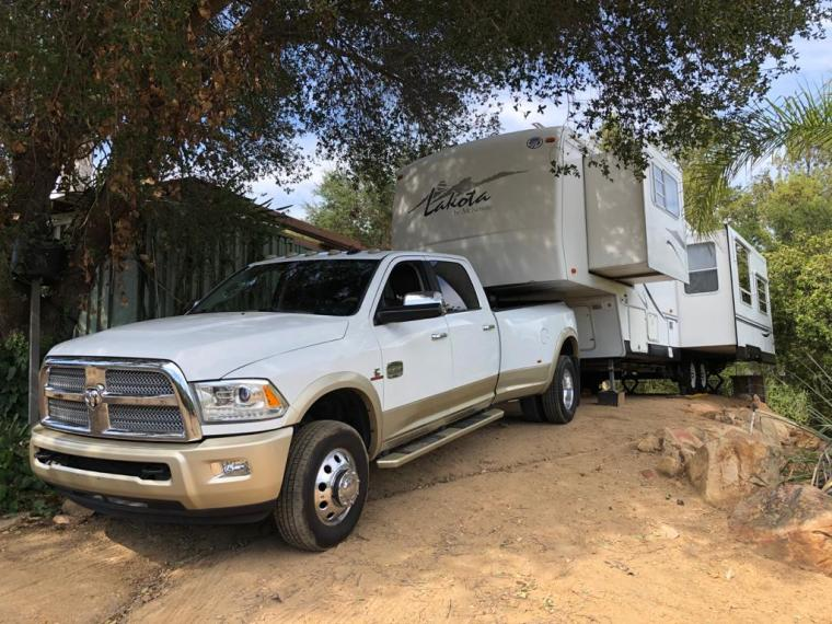 Ferdinand hitched to Lorain to pull out to go to Big Bend of the Colorado River Campground
