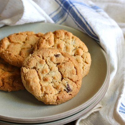 peanut butter cookies with chocolate chips, old fashioned