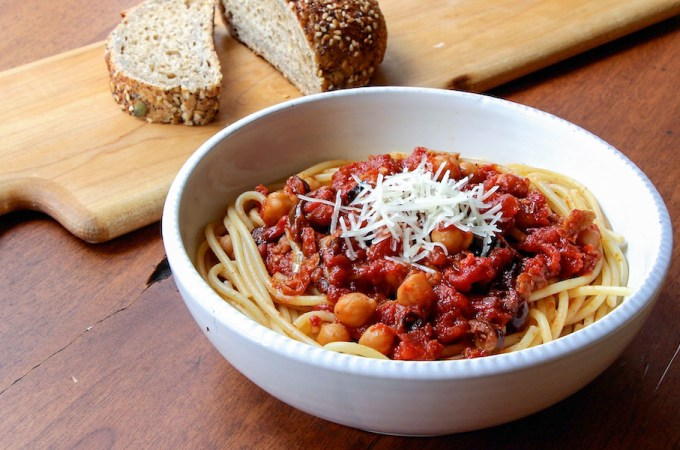 Spaghetti with Chickpeas and Spicy Roasted Tomato Sauce