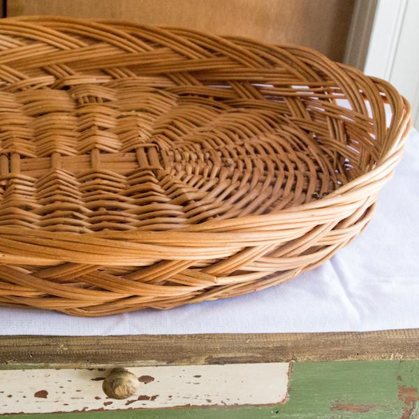 http://www.motherearthnews.com/real-food/drying-herbs-zm0z13fmzmat.aspx?SlideShow=1