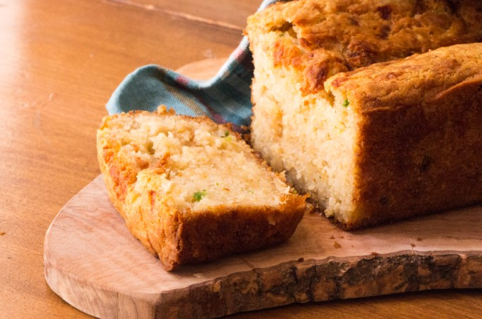 Cheesy Beer Bread with Quinoa, Millet and Jalapeño Peppers