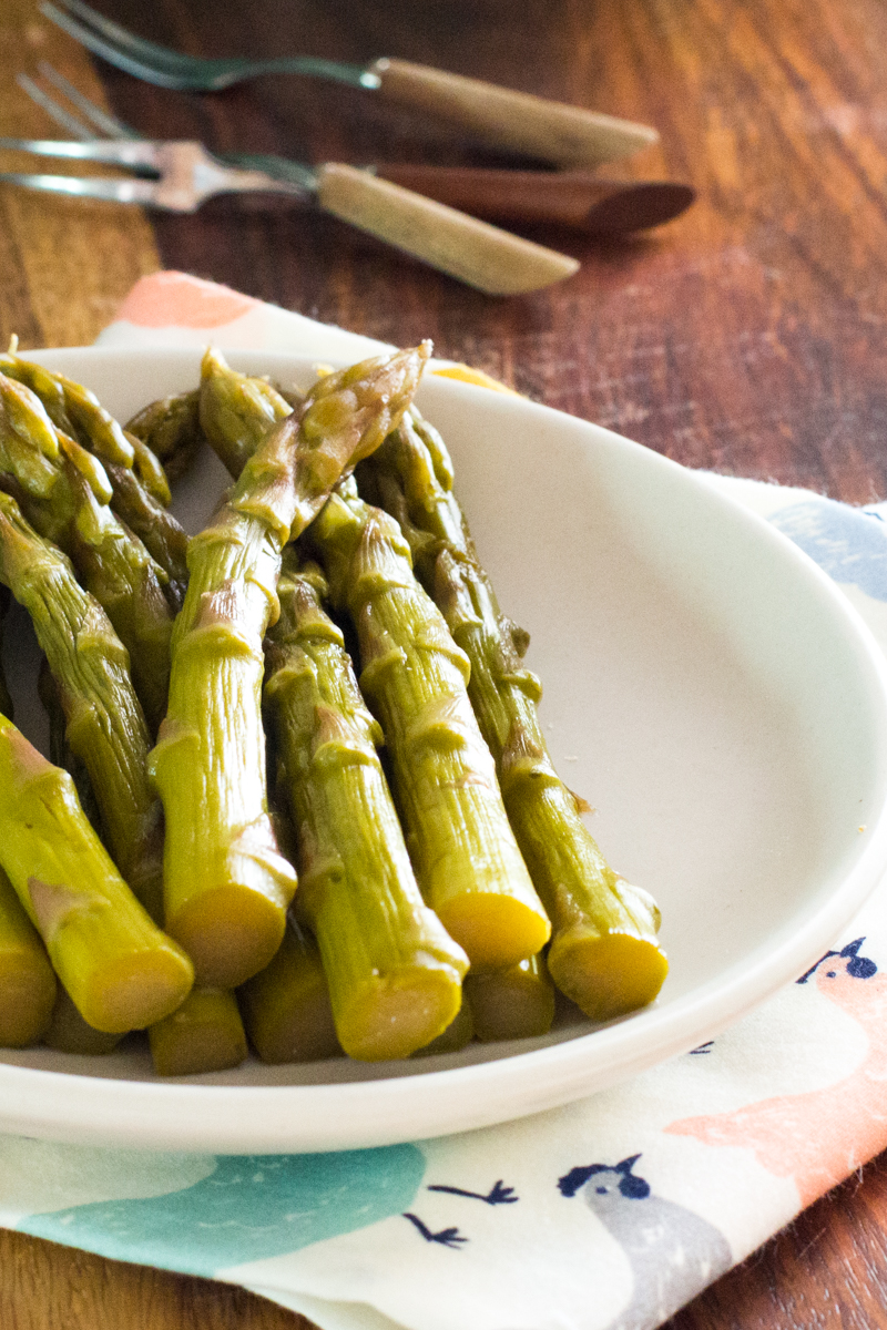 Pickled Asparagus for your next party appetizer or snack, found on http://thewimpyvegetarian.com blog.