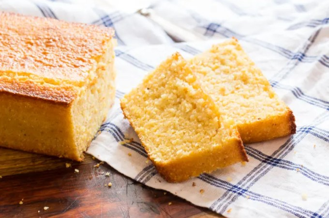 Easy Buttermilk Cornbread | #SundaySupper