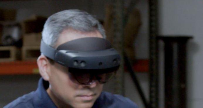 HoloLens 2 image