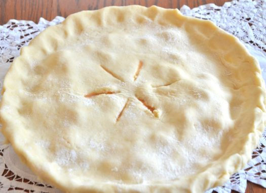Thanks goodness for this Easy Pie Crust recipe! I have tried so many different pie crust recipes in my life!  I used to have a love/hate relationship with pie crust.