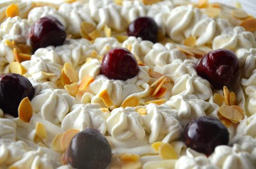 amaretto-pear-trifle