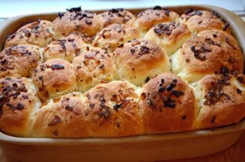 onion-dinner-rolls
