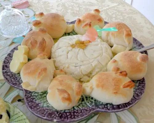 pashka-bunny-rolls