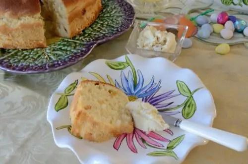 pashka-bread-cheese
