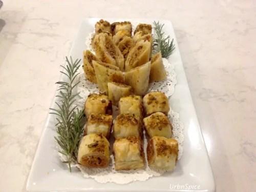 chicken-pistachio-puffs