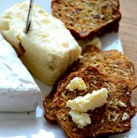 artisanal-cracker-with-brie-closeup