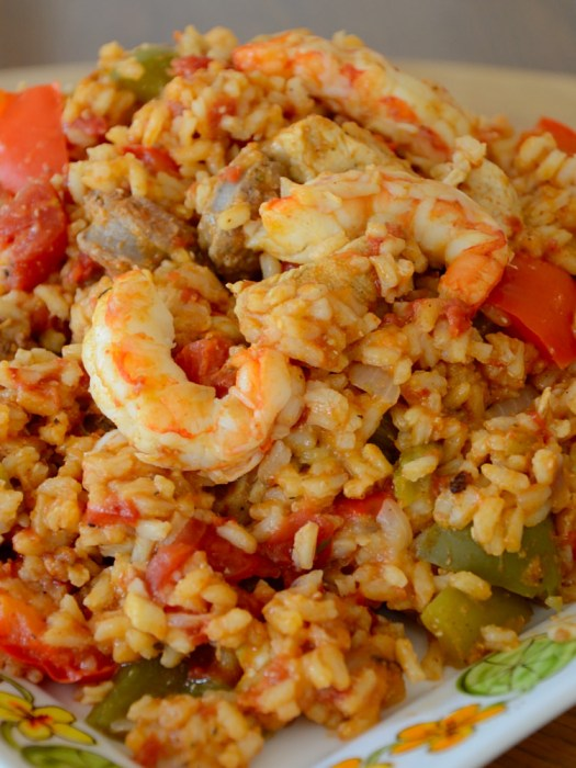 You can lighten up Jambalaya with lots of vegetables and lean proteins so it is actually a very healthy but flavourful  meal!