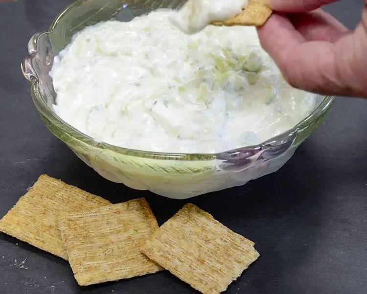 bowl of Greek tzatziki with crackers